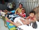 Cha nằm liệt giường vì tai nạn giao thông, 2 con thơ mịt mù tương lai