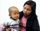 Tiếng khóc xé lòng của bé 5 tuổi liên tục 3 năm chống chọi với bệnh ung thư