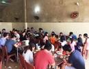 """Đầu năm, quán ăn """"đông nghẹt"""" người, khách phải đợi 30 phút mới được phục vụ"""