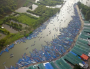 50.000 du khách đổ về chùa Hương ngày khai hội