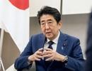Thủ tướng Nhật Bản không sử dụng điện thoại thông minh