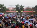 Hàng vạn du khách đội mưa nghe hát quan họ ở Hội Lim