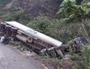 Hai vụ lật xe container trên cung đường lên cửa khẩu Cha Lo