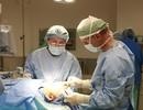 Giải cứu mắt trái sau 15 năm mang khối u mí mắt