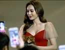 Ninh Dương Lan Ngọc gây bất ngờ với với hình ảnh ôm Kumanthong