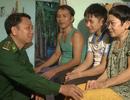 Nghĩa tình của chiến sĩ mang quân hàm xanh với học sinh nghèo