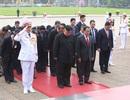 Chủ tịch Triều Tiên Kim Jong-un vào Lăng viếng Chủ tịch Hồ Chí Minh