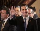 """""""Tổng thống tự phong"""" Venezuela tuyên bố về nước bất chấp nguy cơ bị bắt"""