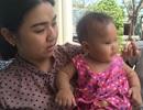 Nhốt bé 8 tháng tuổi một mình trong phòng trọ để... đi khám bệnh (!)