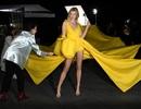 Karlie Kloss nổi bật tại tuần lễ thời trang Paris với chiều cao 1,88m