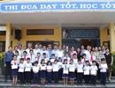 Học sinh nghèo vượt khó tại Huế xúc động với học bổng của Grobest