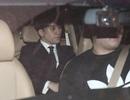 Seungri và Jung Joon Young bị vây kín khi rời sở cảnh sát