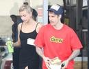 Vợ Justin Bieber khoe dáng siêu thon