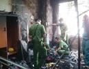 Cháy dữ dội, cửa hàng quần áo bị thiêu rụi