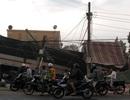 Xe tải tông sập nhà dân bên đường, tài xế và phụ xe tử vong