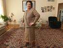 Bộ áo váy độc đáo đan từ 300 túi ni lông của cụ bà 75 tuổi
