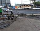 Xe cẩu kéo gãy trụ điện, một nhà dân bị ảnh hưởng