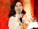 Ca sĩ Lệ Quyên bất ngờ vì được tổ chức sinh nhật muộn trên sân khấu