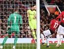 Man Utd 0-1 Barcelona: Luke Shaw phản lưới nhà