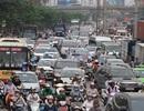 Người dân đổ về quê nghỉ lễ, cửa ngõ Hà Nội ùn tắc kinh hoàng