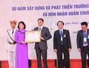 Trường ĐH Kinh tế, ĐH Huế đón nhận Huân chương Lao động hạng Nhất