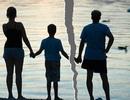 Tổn thương tâm lý trẻ em hậu ly hôn, phụ huynh đã thật sự thấu hiểu