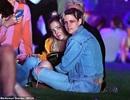 Kristen Stewart hôn say đắm bạn gái mới