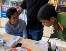 Bắt nam thanh niên sử dụng giấy tờ giả mua hàng trả góp