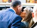 Jennifer Lopez hạnh phúc xuất hiện bên bồ trẻ