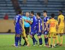 """CLB Nam Định thoát """"nhóm đèn đỏ"""" sau trận cầu có 2 thẻ đỏ"""