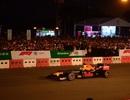 """Lần đầu tiên trải nghiệm trình diễn xe đua F1 """"lăn bánh"""" tới Hà Nội"""