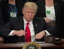 """Ông Trump gây """"bão"""" mạng vì bình luận về thảm kịch ở Sri Lanka"""