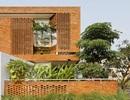 Nhà 2 mặt tiền xây bằng gạch mộc không sơn trát đẹp nổi bật trên báo ngoại