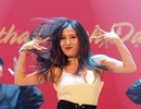 Ngắm vũ điệu quyến rũ của nữ sinh ĐH Quốc gia Hà Nội