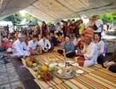 Dòng người nô nức đổ về Nha Trang dự lễ hội tháp bà Ponagar