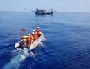 Tàu hỏng máy, 52 ngư dân Quảng Nam trôi dạt ở vùng biển Hoàng Sa