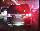 Hà Nội: Nghi vấn xe biển xanh tông tài xế xe ôm bị thương rồi bỏ chạy