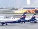 Khoảnh khắc máy bay Nga chở 78 người lao xuống đường băng, bốc cháy