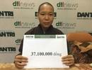 Trao tặng hơn 37 triệu đồng của bạn đọc Dân trí giúp cô bé Thảo bị bỏ rơi ở nhà chùa