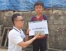 Cậu bé mồ côi oà khóc khi nhận 111 triệu đồng của bạn đọc Dân trí giúp đỡ