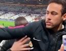Neymar lĩnh hậu quả vì đấm vào mặt cổ động viên