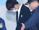 Jung Joon Young cúi mặt tham dự phiên sơ thẩm, thừa nhận mọi tội danh