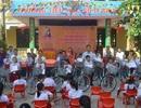 Quảng Bình: Tặng xe đạp nâng bước học sinh nghèo đến trường