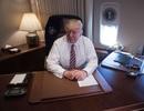 Ông Trump gây tranh cãi vì quay video chỉ trích đối thủ trên chuyên cơ Không Lực Một