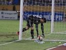 Thủ môn Bùi Tiến Dũng không lo mất vị trí ở đội tuyển Việt Nam