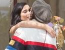 """Brooklyn Beckham hạnh phúc """"khóa môi"""" bạn gái hơn tuổi"""