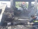 Xe khách đang chạy bất ngờ bốc cháy, bé trai 14 tuổi tử vong