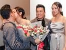 Lam Trường khóa môi vợ trước đám đông, xóa tin đồn hôn nhân rạn nứt