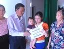 Bạn đọc Dân trí giúp đỡ hơn 100 triệu đồng đến người mẹ và 3 đứa con thơ dại lâm cảnh đường cùng