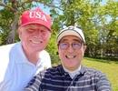 """Tổng thống Trump chụp ảnh """"tự sướng"""" cùng Thủ tướng Nhật Bản trên sân golf"""